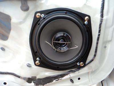 2004 Mitsubishi Lancer Evolution 8 Front Door Speaker Installation - Australia