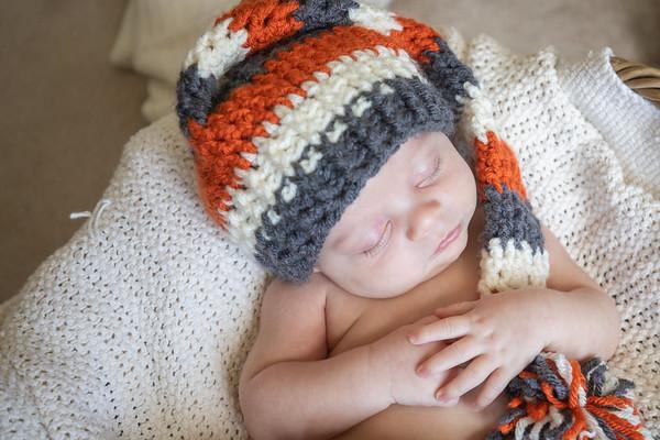Newborn Lifestyle Session: Ezra