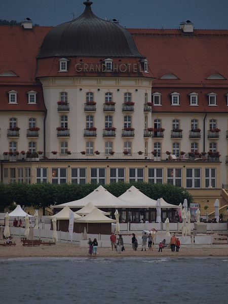 Sopot used to be the place of choice for the rich and the Wealthy of Poland. No wonder the small town is the home of hotels like the magnificent Grand Hotel. (Foto: Geir)