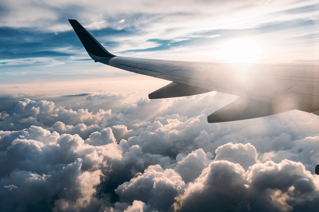 Airplane in flight - Flight claim companies