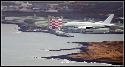Airbus A380 yfir Reykjavík (F-WWDD)