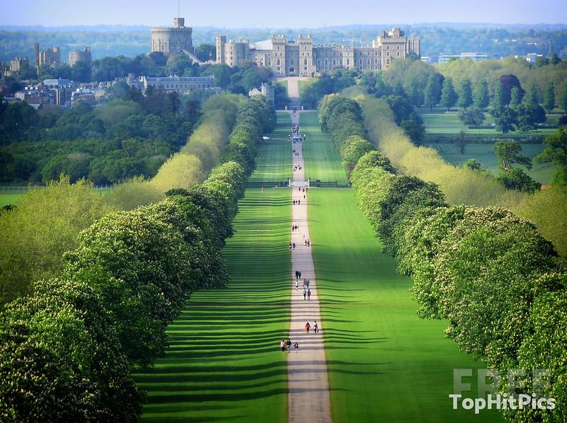 The Long Walk to Windsor Castle, England