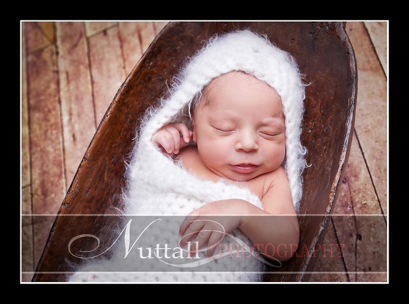 Noah Newborn 27.jpg