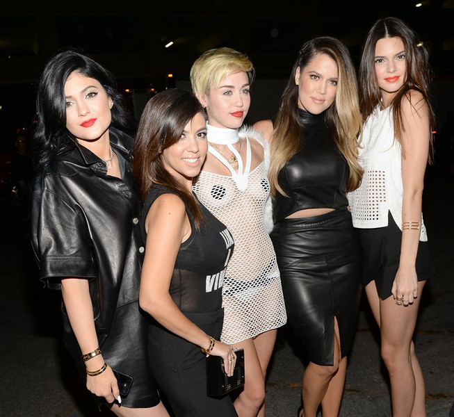 """. <p>3. (tie) MILEY CYRUS & THE KARDASHIANS <p>Their Tramp Summit deemed a success, even though Rihanna was unable to attend. (unranked) <p><b><a href=\'http://www.mtv.com/news/articles/1714420/miley-cyrus-iheart-radio-festival.jhtml\' target=\""""_blank\""""> HUH?</a></b> <p>    (Jason Kempin/Getty Images for Clear Channel)"""