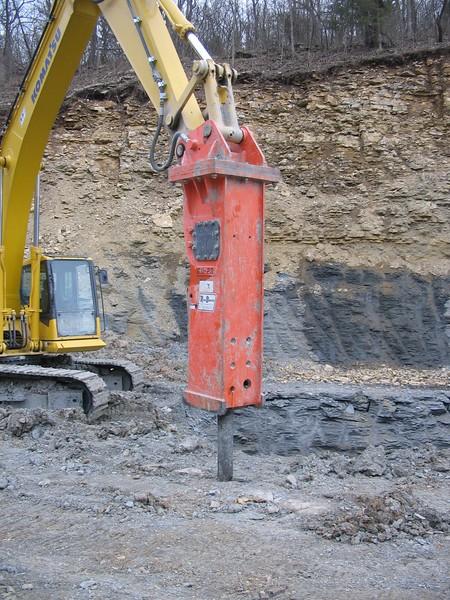 NPK GH23 hydraulic hammer on Komatsu excavator (1).JPG