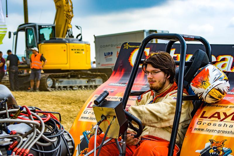 Tractor Pulling 2015-02233.jpg