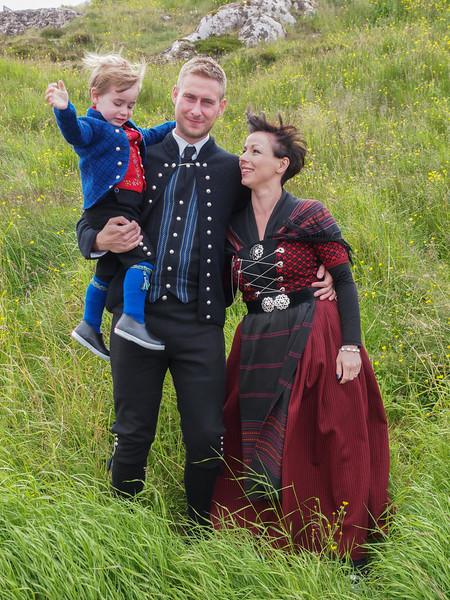 Hans Christian, Marina og lille Joannes. Foto- Martin Bager-7298334.jpg