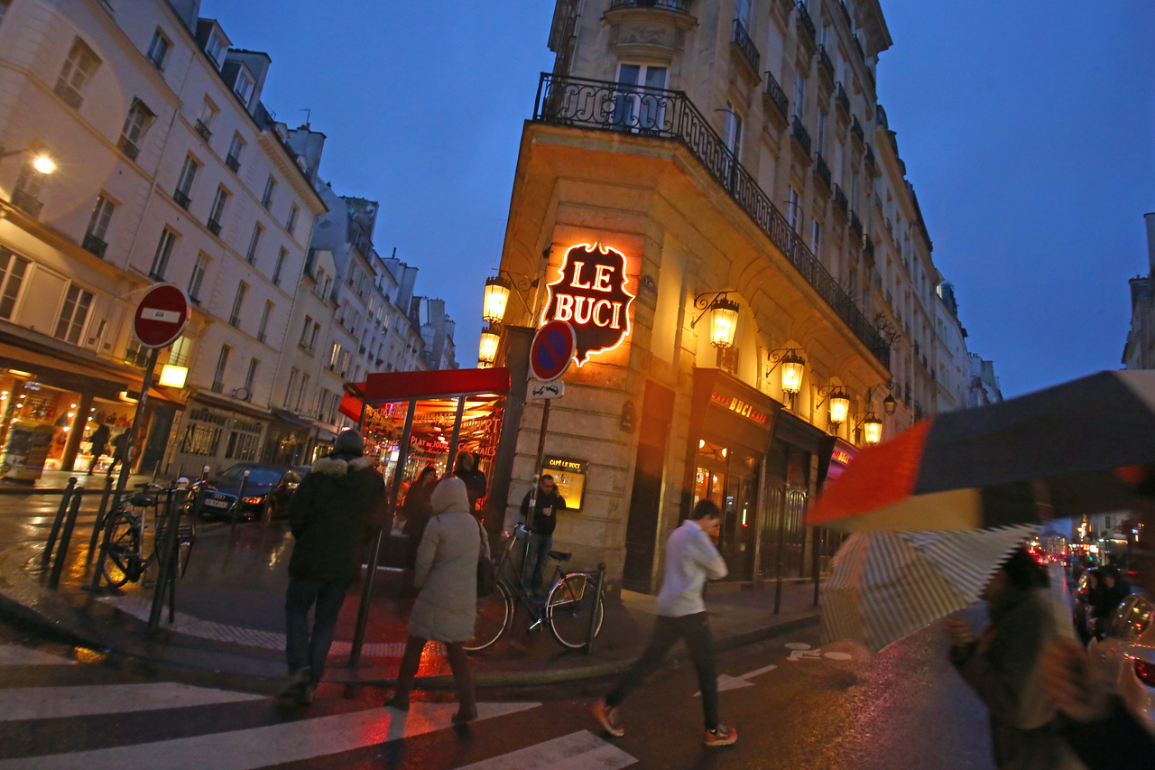 Paris by night - LE BUCI Cafe
