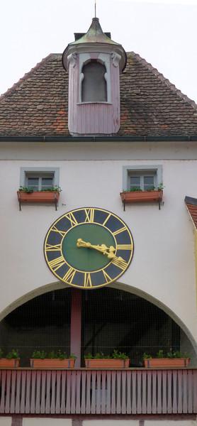 Day6-Meersburg Clock.jpg