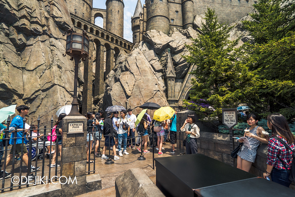 Universal Studios Japan - Harry Potter and the Forbidden Journey / Express entrance