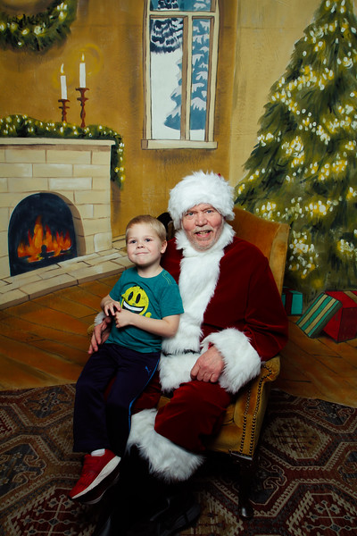 Pictures with Santa Earthbound 12.2.2017-091.jpg