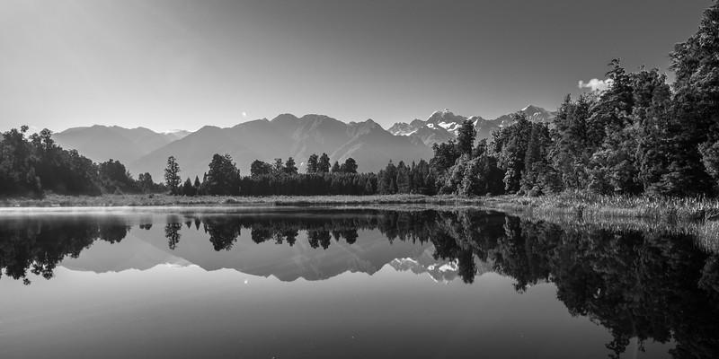 Murchison Lake02.jpg