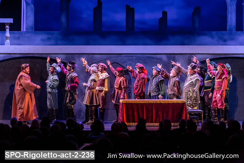 SPO-Rigoletto-act-2-236.jpg
