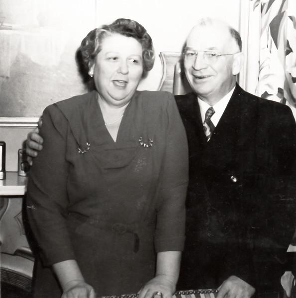Ralph and Elizabeth Sherwood Beach Bierer (Oddie)