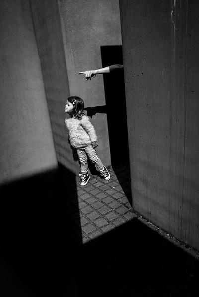 NICO+POINTING_HAND_SHOAH_MEMORIAL_BERLIN.jpg