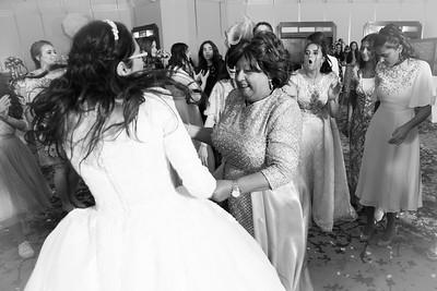 14 Womans dancing