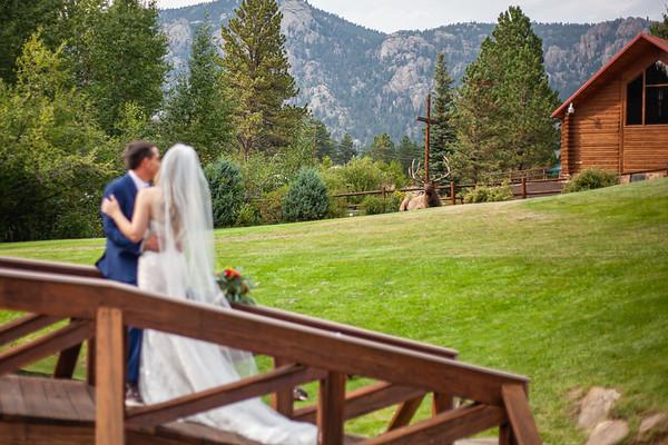 09.02 Travis & Whitney (Black Canyon Inn-Estes Park)