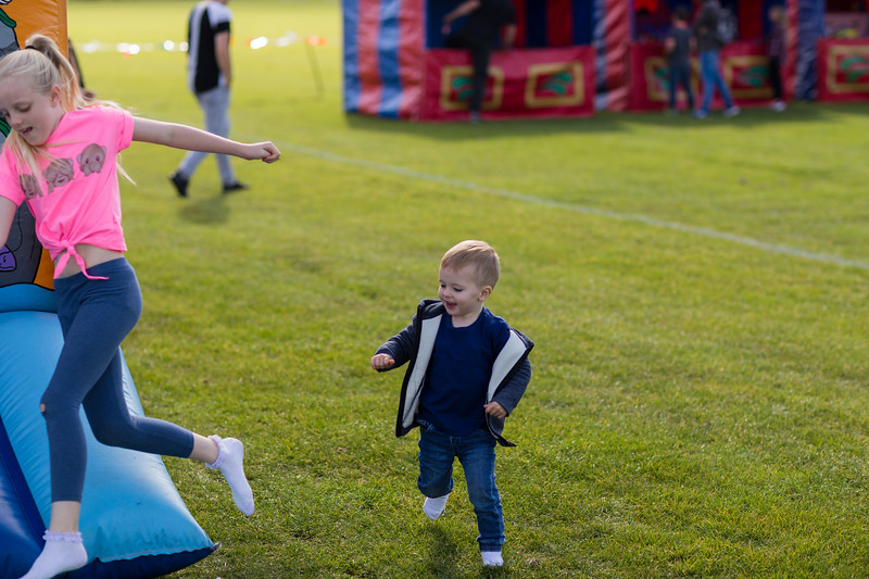 bensavellphotography_lloyds_clinical_homecare_family_fun_day_event_photography (8 of 405).jpg