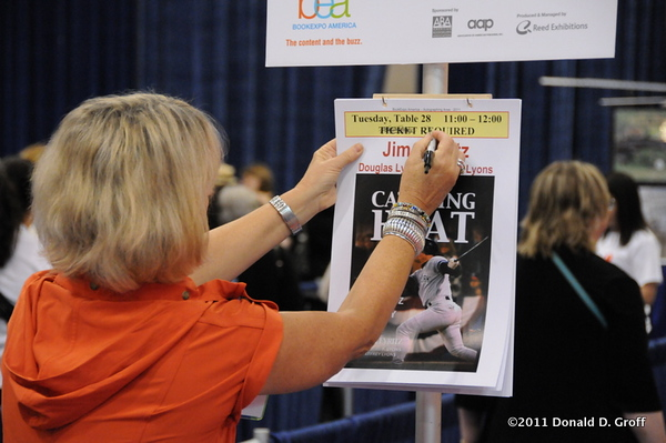 Book Expo 2011 (flickr)