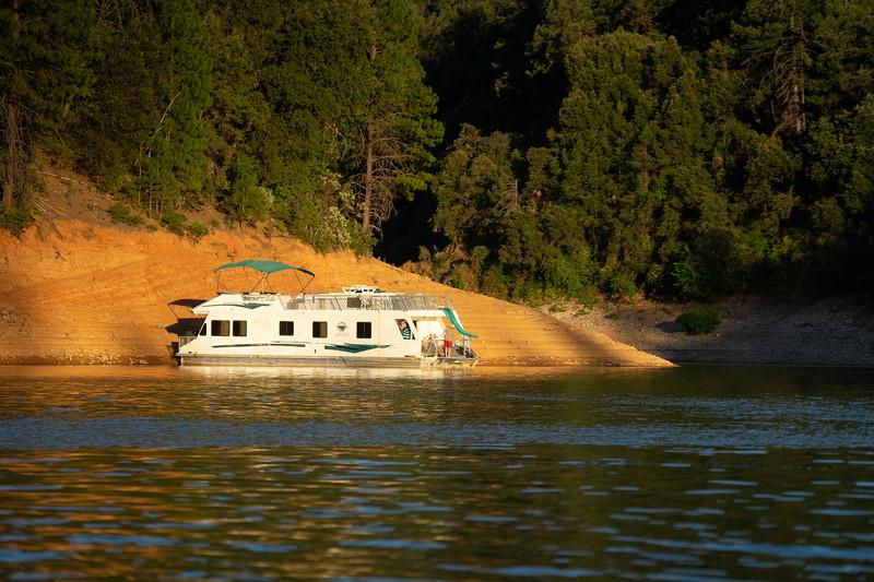 1908_15_shasta_houseboat-01300.jpg