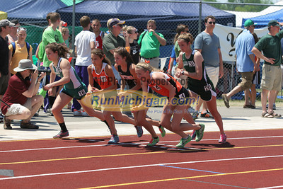 D1 Girls' 1600 Meters Final - 2014 MHSAA LP T&F Finals