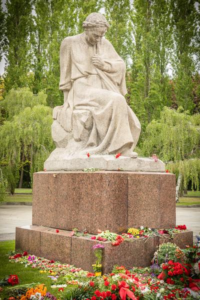 Soviet Memorial-9673.jpg