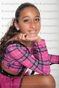 pk2415 Jenna Mola