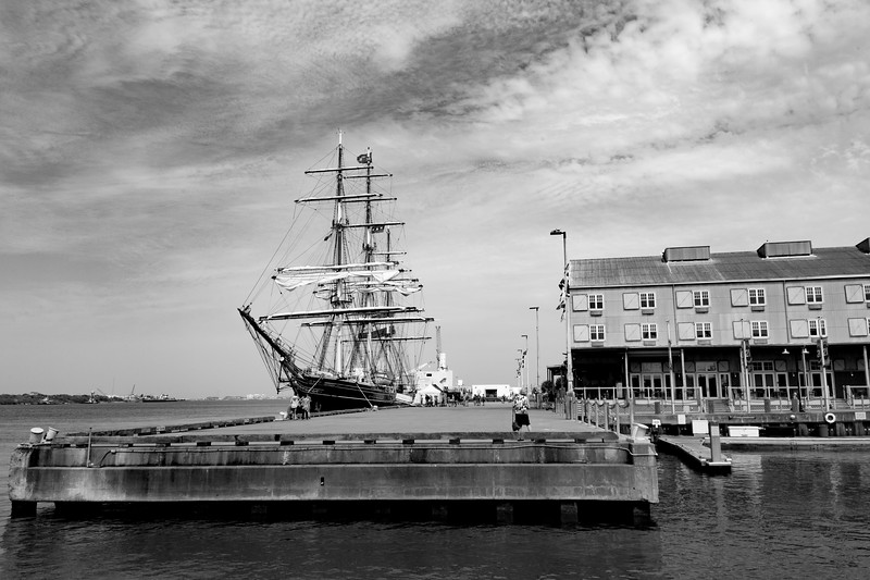 Black and White view of the Stad Amsterdam, Carol in foreground