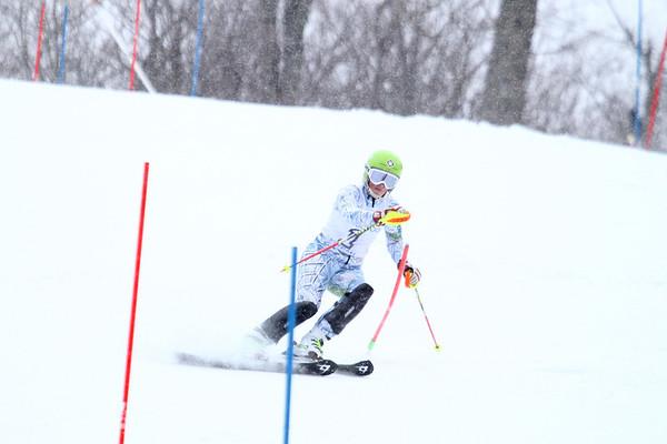 2014-01-10-LWHS-Skiing Girls Second Run