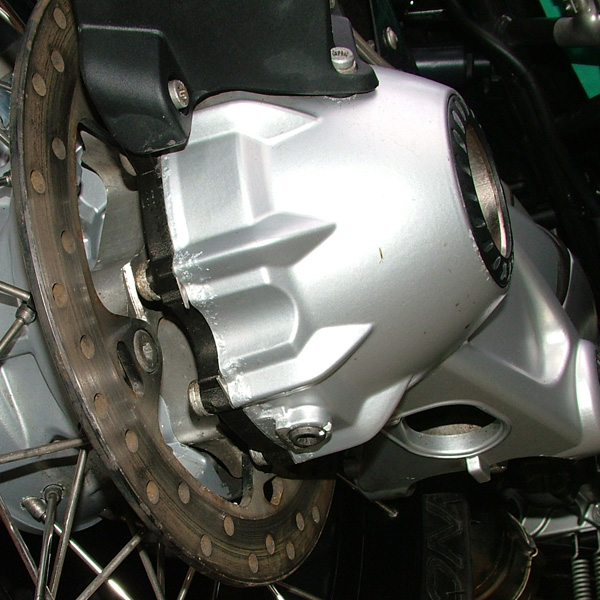 Nov2007 R1200GSA showing corrosion on the underside of the Final Drive - FD replaced under BMW Warranty