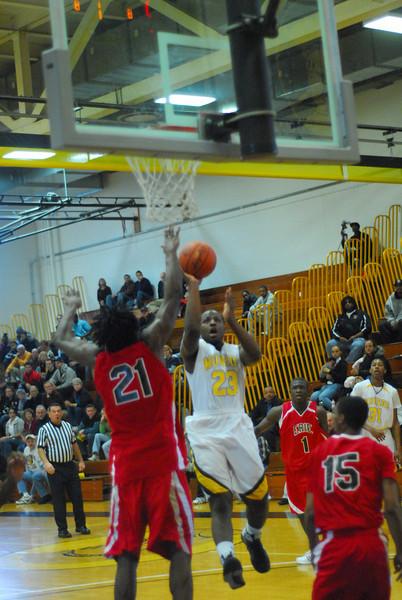 20090301_MCC Basketball_5616.JPG