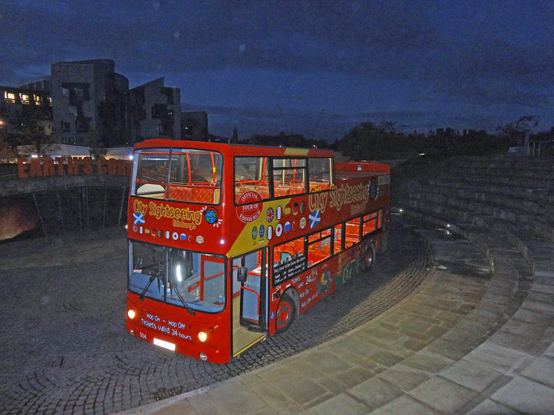 504 in the pitch black at Dynamic Earth