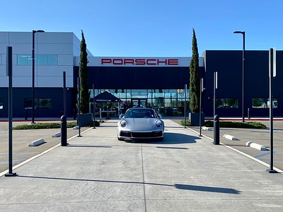 Porsche Experience Center LA, 2020