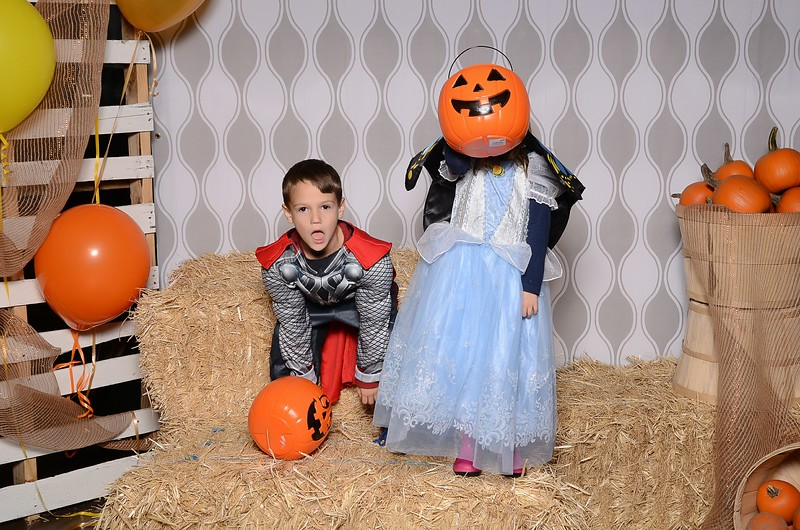 20161028_Tacoma_Photobooth_Moposobooth_LifeCenter_TrunkorTreat1-28.jpg