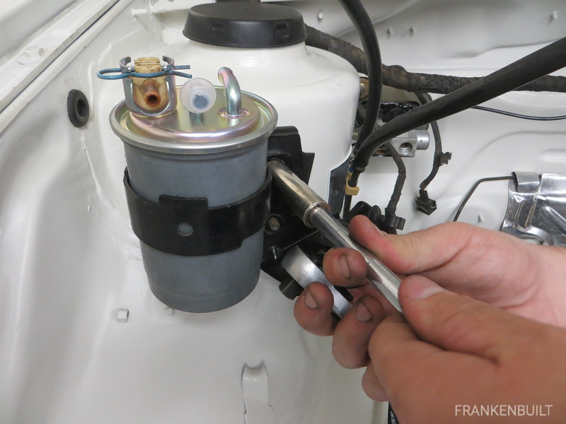 Mounting fuel filter