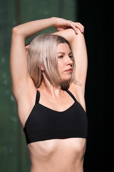 Hawaii - Madeleine Russick - Yoga-1266.jpg