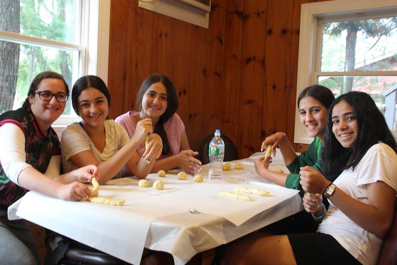 kars4kids_thezone_camp_girlsDivsion_activities_baking (33).JPG