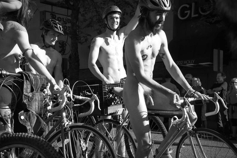 Nude Bike Ride (20).JPG