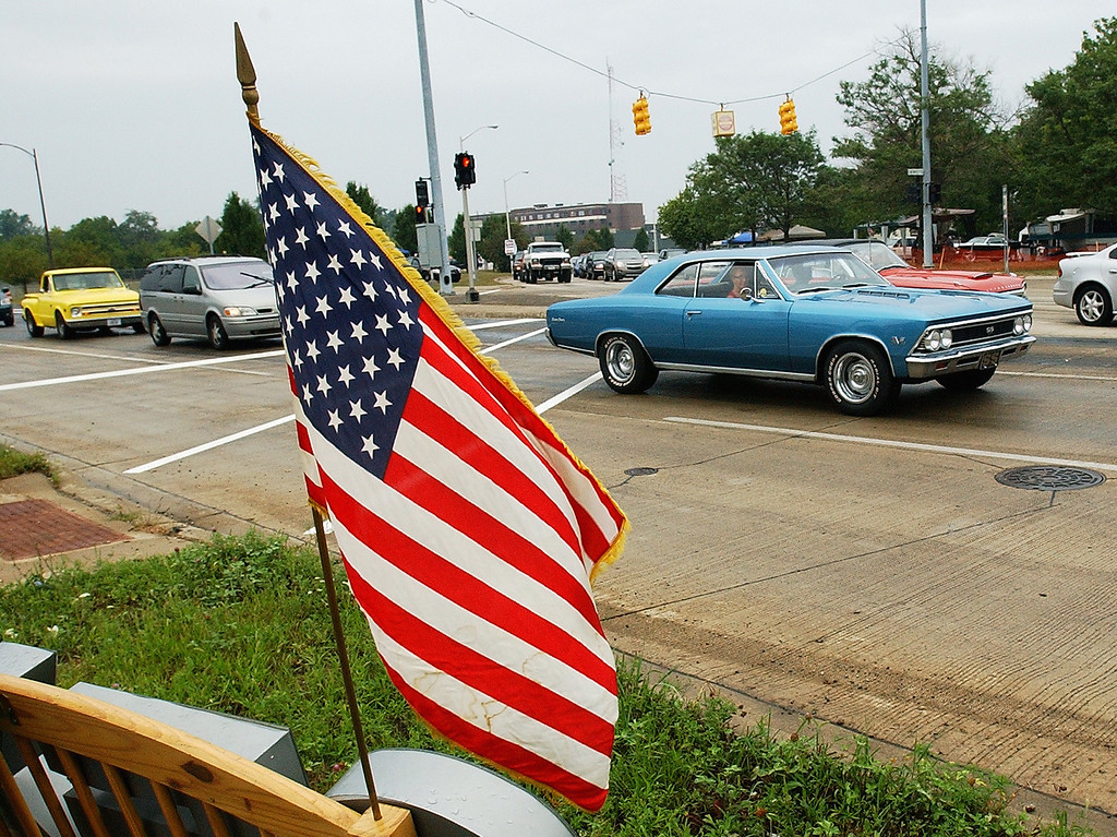 . Motorists make the loop on Woodward Avenue, during the Dream Cruise.  Photo taken on Saturday, August 21, 2010, in Pontiac, Mich.  (The Oakland Press/Jose Juarez)