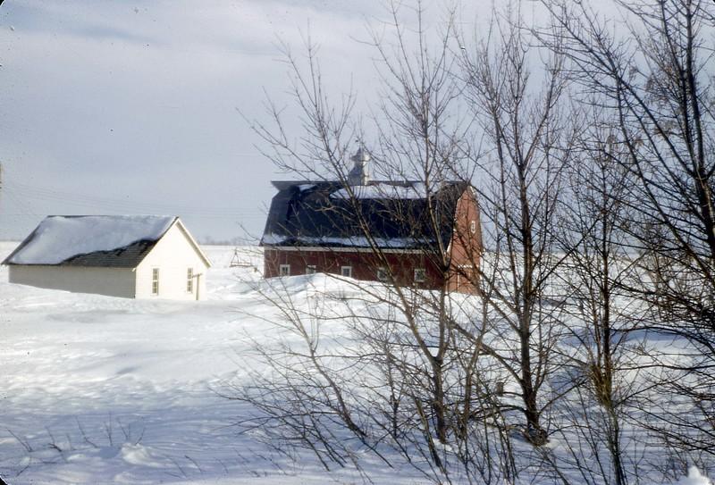 ARS029.  House & Barn - Mar 1966.jpg