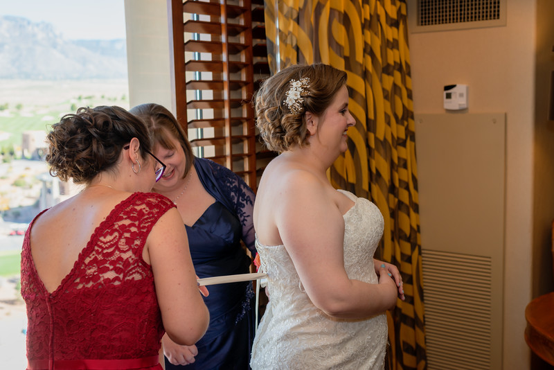 Sandia Hotel Casino New Mexico October Wedding Getting Ready C&C-54.jpg