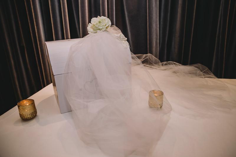 Montreal Wedding Photographer | Wedding Photography + Videography | Ritz Carlton Montreal | Lindsay Muciy Photography Video |2018_666.jpg