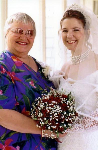 Christine, Linda024.jpg
