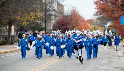 TC_10_23_09_homecoming_parade-288.jpg