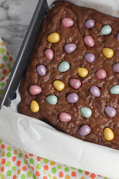 Chocolate Mini Egg Brownies-9.jpg