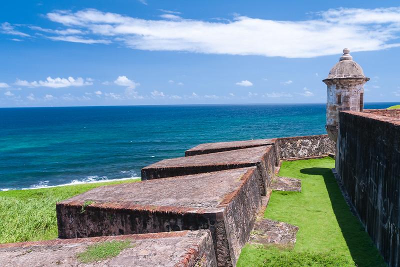 PUERTO-RICO-Old-San-Juan-Fort-San-Cristóbal.jpg