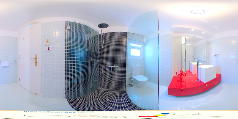 Main Bath Room.jpg