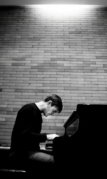 Pianist Steve Sweetings, 2010 Shanghai
