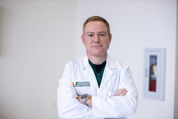 Dr. Komotar