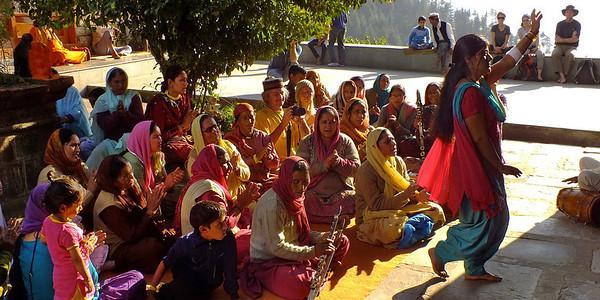 Гималаи. Наггар. Дасера в храме Кришна. Фото - Валерий Гаркалн